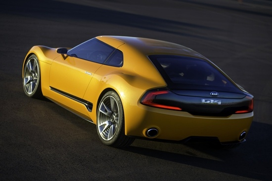 Kia-GT4-Stinger-static-11
