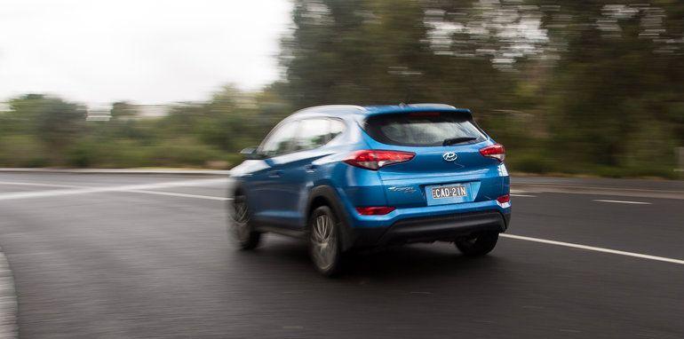 Hyundai Tucson Active X v Kia Sportage SLi v Mazda CX-5 Maxx