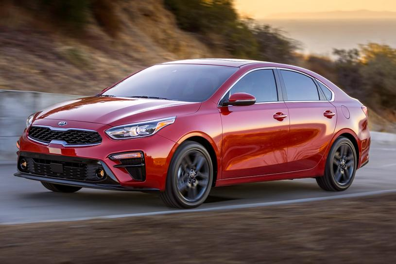 2019-kia-forte-sedan-red-front-left-quarter