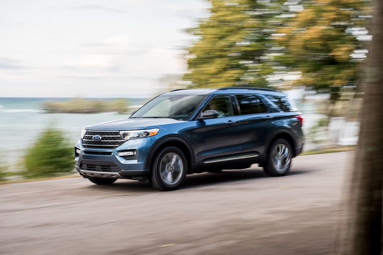 2020-ford-explorer-xlt-awd-comparison-102-1571662609
