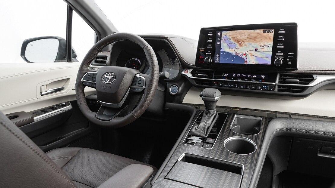 2021-Toyota-Sienna-Platinum-AWD